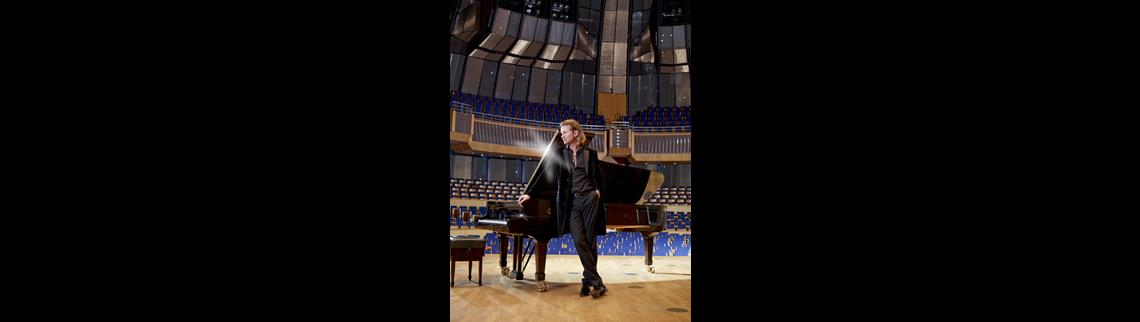 Ralph Lohaus am Klavier