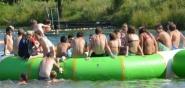 Wassertrampolin im Aqua Park